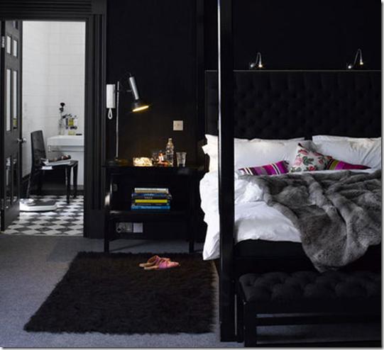 black-bedroom-interior-decorating-541x494