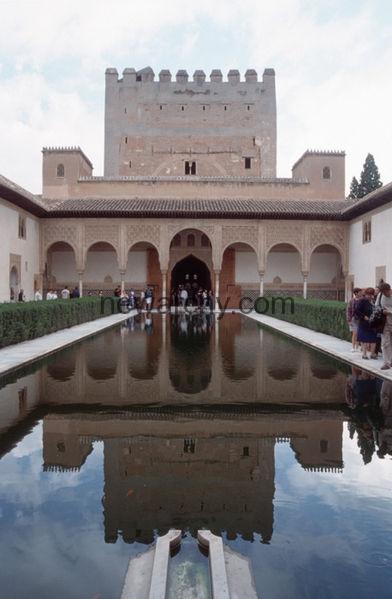 392px-Granada_Alhambra0004